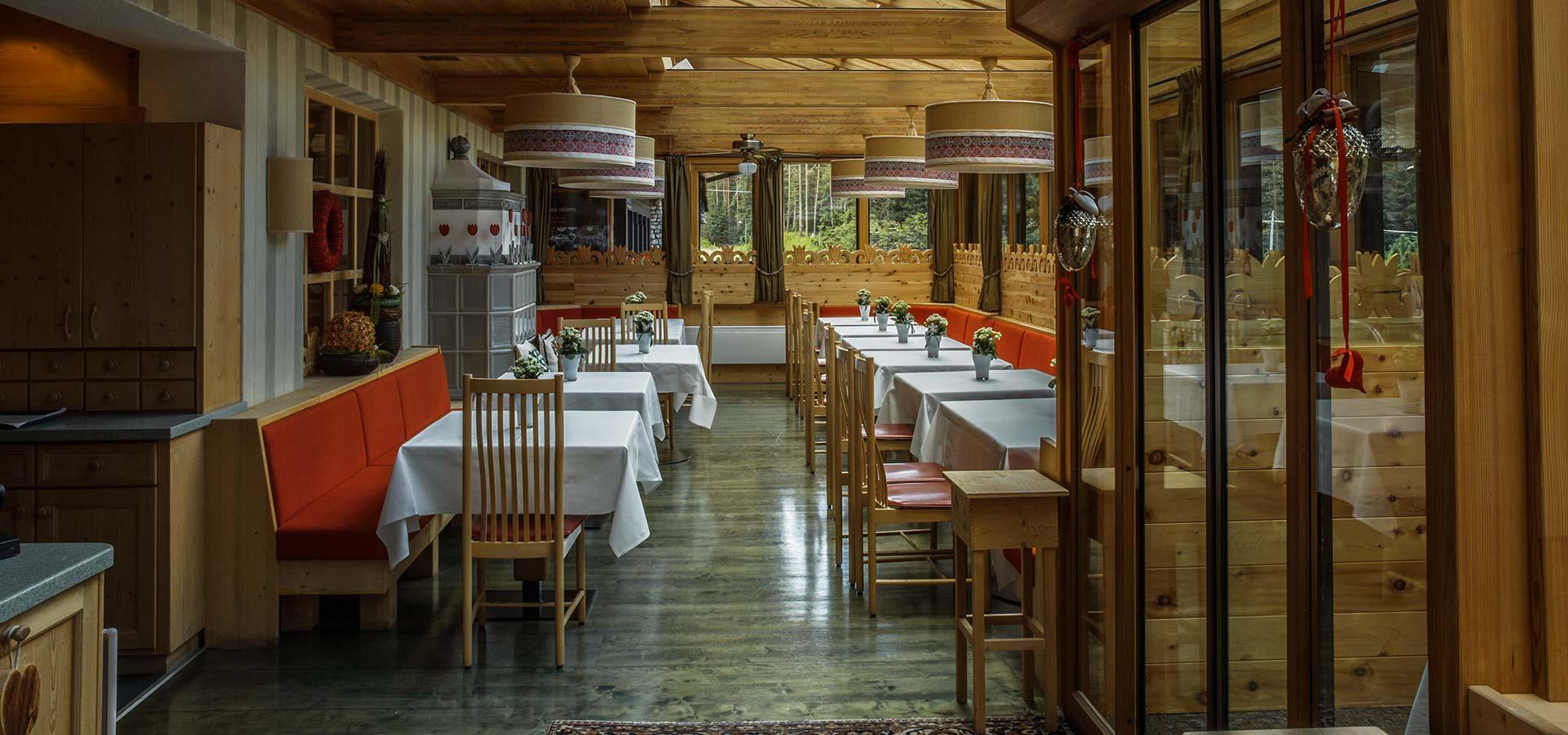veranda_ristorante_la_terrazza_san_cassiano