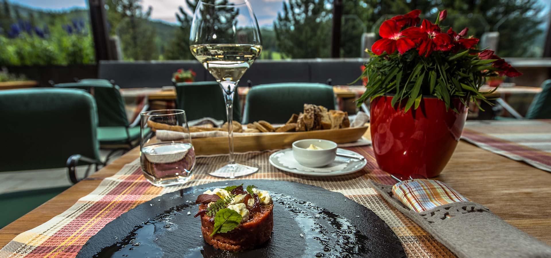 infini-terrace-restaurant-dolomites-2